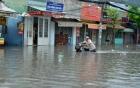 Mưa lớn, đường Sài Gòn biến thành sông, hàng trăm ngôi nhà bị ngập sâu
