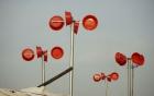 Dùng chậu nhựa tạo điện ở xóm thuyền Hà Nội có nguy hiểm khi gặp sét?