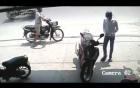 Video: Mất trộm SH dù để sau ngay sau lưng