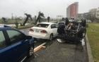 Siêu bão Nepartak có tốc độ gió hơn 200 km/h lật đổ nhiều ô tô