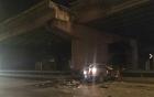 Hà Nội: Ô tô 7 chỗ lao từ đường trên cao xuống, tài xế chết thảm