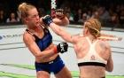 Đả nữ Muay Thái đàn áp cựu vô địch UFC Holly Holm