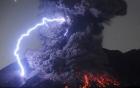 Hy hữu xuất hiện tia sét trong núi lửa  tại Nhật