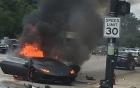 Lamborghini Huracan LP610-4 gặp tai nạn gãy đôi