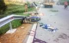 Tin tai nạn giao thông mới nhất ngày 30/8: Xe tải nổ lốp đè vào xe máy 2