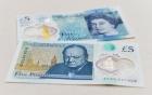 Nước Anh lần đầu tiên phát hành tiền polymer