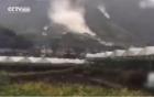Khoảnh khắc núi lở chôn vùi 20 ngôi nhà trong siêu bão Megi
