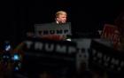 Trump - Clinton: Đối đầu kịch tính trong tranh luận trực tiếp lần 2 2