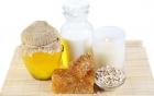 Phương pháp  làm đẹp da mặt sau sinh bằng mật ong