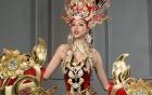 Khả Trang bị vấp ngã trên sân khấu vẫn nhận giải tại HH Siêu quốc gia