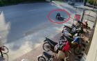 Trộm xe máy bị xe đè ngã khi đang tẩu thoát