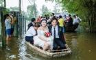 Video: Đám cưới rước dâu bằng thuyền thúng ở Quảng Ngãi