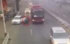 Mở cửa bất cẩn, tài xế ô tô khiến một phụ nữ tử vong tại chỗ