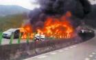 Tai nạn liên hoàn khiến ô tô bốc cháy làm 6 người chết
