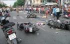 Xe máy gây tai nạn liên hoàn do phanh gấp