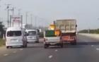 Xe tải luồn lách, đánh võng điên cuồng trên phố