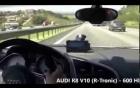 Tài xế Audi R8 đua với superbike