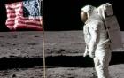 Các lá cờ Mỹ trên Mặt Trăng đang bị phân hủy