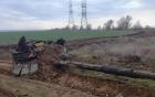 Xe tăng Nga nổ tan tành vì đâm vào cột điện cao thể