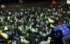 THAAD tới vị trí triển khai, dân Hàn Quốc giận dữ phản đối