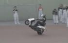 Người lái mô tô bốc đầu 500km lập kỷ lục thế giới