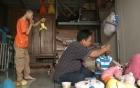 Bố nuôi hai con teo não bất ngờ hát rong tại phố đi bộ Hà Nội 2