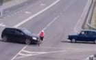 Người đạp xe sống sót thần kỳ sau cú đâm trực diện của ô tô