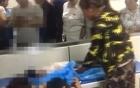 Bố mẹ khóc ngất bên thi thể con trai 4 tuổi bị nhà trường bỏ quên trong ô tô suốt 9 tiếng