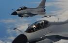 Biển Đông: Chiến đấu cơ Trung Quốc chặn máy bay Mỹ