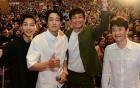 Đám đông 10.000 fan gây náo loạn vì đón Song Joong Ki và So Ji Sub