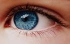 Chỉ trong 1 phút, màu mắt của bạn sẽ thay đổi cực hay với cách này