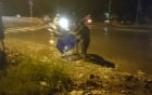 Không hôi của, người dân giúp tài xế gom 500 kg cá đổ xuống đường