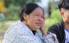 Người mẹ mỏi mòn khóc cạn nước mắt đi dọc suối tìm con và cháu ngoại mất tích