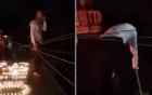 Thót tim cảnh chàng trai Hà Nội bắc thang trèo vào nhà người yêu cầu hôn lúc 1h sáng