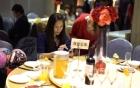 Hotgirl Bella bản Đài Loan ăn đám cưới