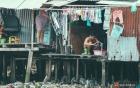 Cận cảnh cuộc sống tại nơi ô nhiễm nhất Sài Gòn, người dân làm nhà vệ sinh thải trực tiếp xuống con rạch