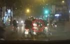 Người phụ nữ đi Lead bị 2 thanh niên dàn cảnh cướp túi xách trong tích tắc giữa đường phố Hà Nội
