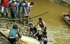 Người dân mổ bụng cá sấu dài 6 mét, kinh hãi phát hiện tay chân người bên trong
