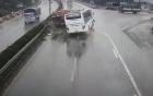 Vụ ôtô khách tông xe cứu hỏa trên cao tốc: Giới tài xế lên tiếng