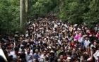 Dòng người đội nắng, chen nhau nghẹt thở trong ngày khai hội đền Hùng