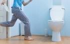 Vừa ngủ dậy đi tiểu ngay lập tức có tốt không: Lâu nay nhiều người vẫn làm mà không hiểu