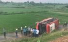 Xe khách lao khỏi cao tốc Pháp Vân – Cầu Giẽ, hơn 20 người hoảng loạn kêu cứu