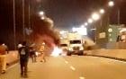 Ôtô tông xe container trên cao tốc Long Thành rồi cháy dữ dội, 2 người chết