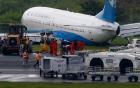 Máy bay Trung Quốc trượt khỏi đường băng Manila trong trận mưa như trút nước