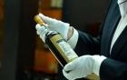 """Choáng váng với chai rượu quý hiếm như """"Chén Thánh"""" có giá 25 tỷ đồng"""