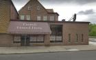 Phát hiện xác chết phân hủy của 11 đứa trẻ giấu trên trần nhà tang lễ gây chấn động