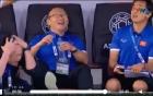Video: Thầy Park cười lớn sau pha bóng bỏ lỡ của Quang Hải trước Iran