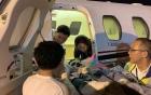 Cặp đôi Việt kiều bị tạt axit được đưa ra nước ngoài điều trị bằng chuyên cơ riêng