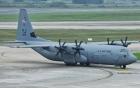 Máy bay vận tải cơ C-130 của Mỹ hạ cánh tại Nội Bài