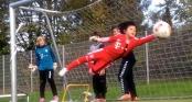 Video: Thủ môn nhí 8 tuổi cản phá xuất thần như Neuer